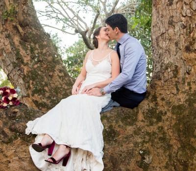 capture-it-tree-couple